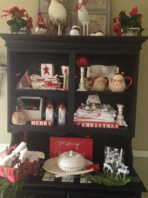 painted furntire/hutch/Christmas/DIY