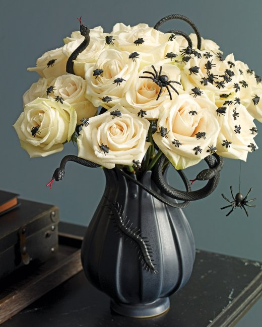 halloween spiders on flowers