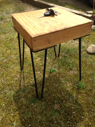 table with hairpin legs