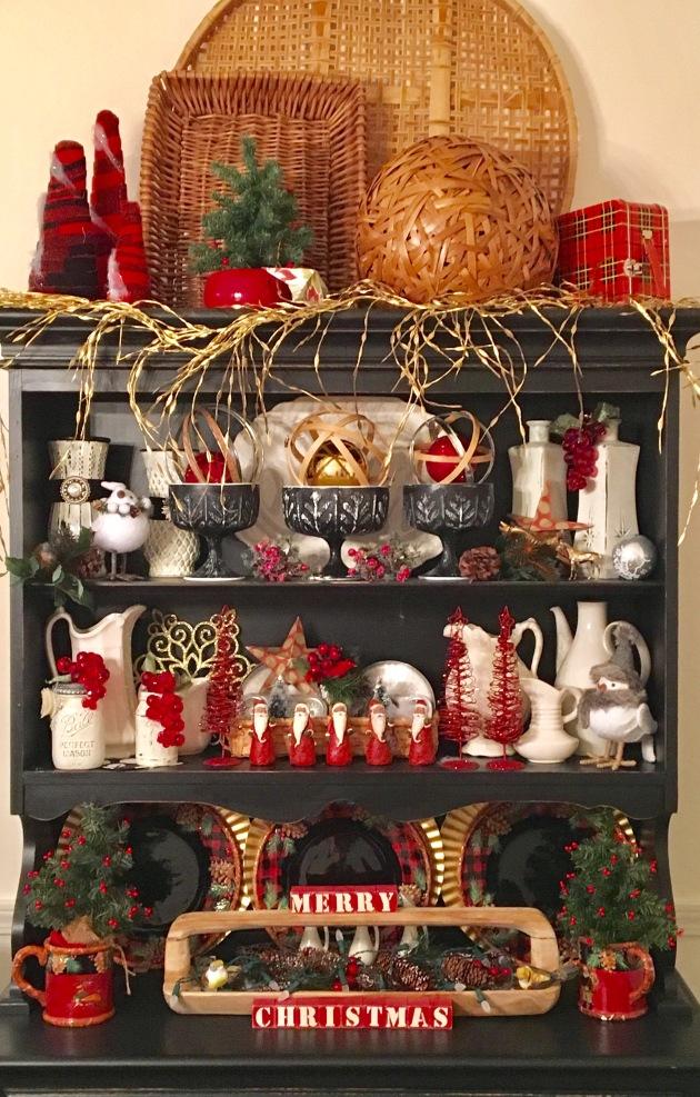 Christmas hutch/2016
