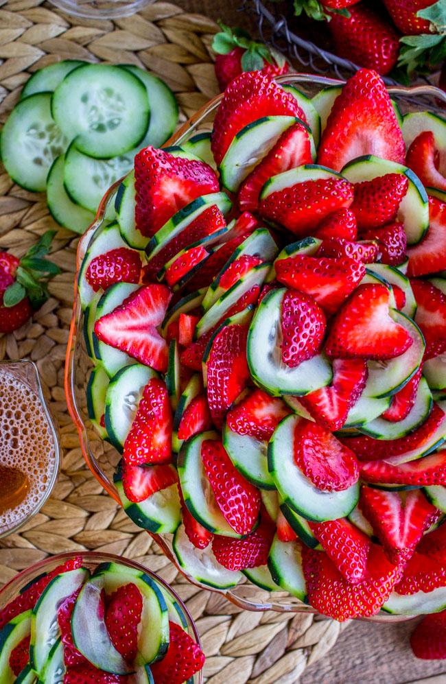 Food Charlatan/Strawberry, cucumber salad