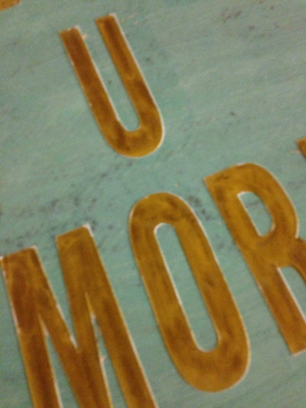 llove u more sign/diy