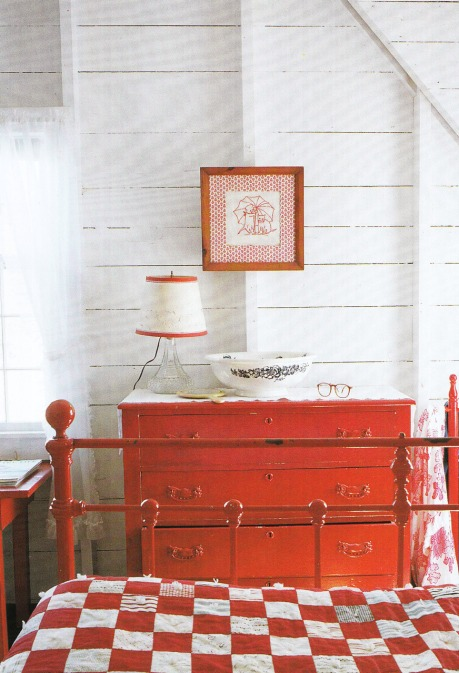 decorating/red and white