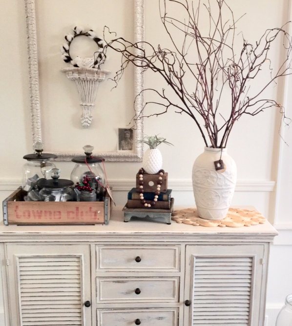 Ways to decorate a coffee table